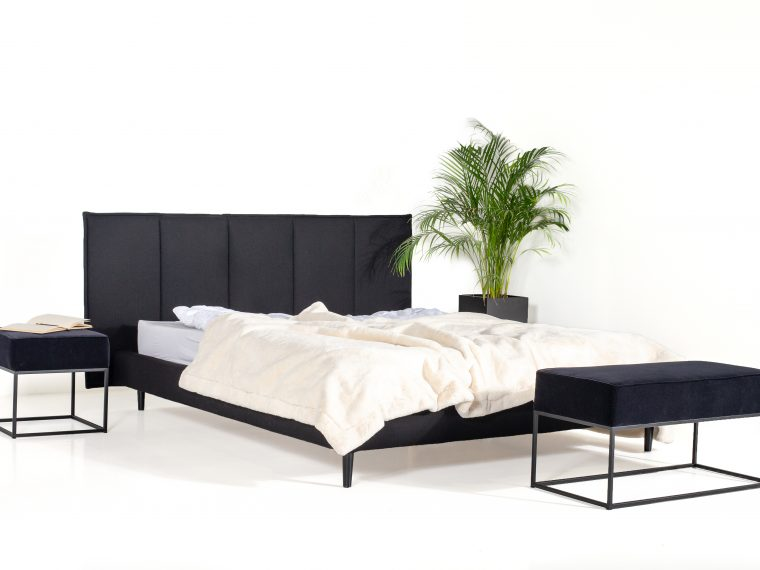 LEE BED (black) side interior